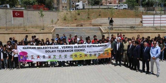 İstanbul Büyük Şehir Belediyesinden Hakkari'deki Okullara Spor Malzemesi