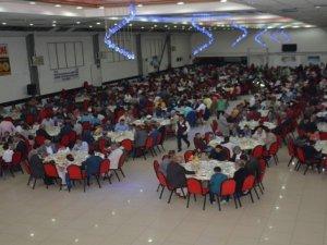 Tatvan'da yetimler için iftar yemeği düzenlendi