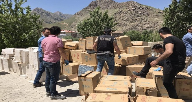 Hakkari'de 67 bin 500 paket kaçak sigara ele geçirildi