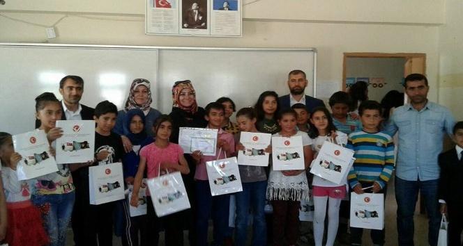 Gazi ve Şehit Aileleri Vakfı'ndan çocuklara tatil kitabı