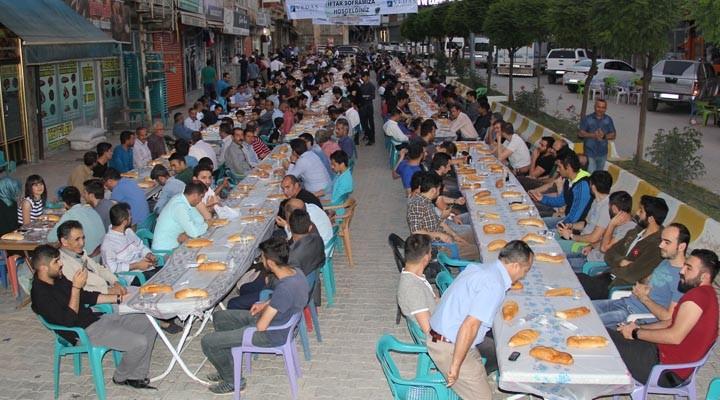 VEDAŞ ve VEPSAŞ'tan Şemdinli'de iftar yemeği