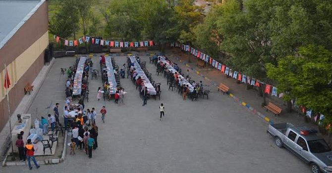 Konya Büyükşehir Belediyesi Hakkari'de iftar yemeği verdi!