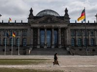 Almanya sınır kontrollerini 15 Mayıs'a kadar uzattı
